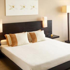 Цветовые решения спальных комнат из пазогребневых плит